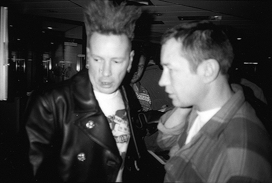 5314book2642johnnyrotten.jpg