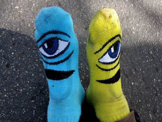 6816yellowandbluesocks.jpg